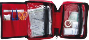15-hiking-firstaid-kit-2