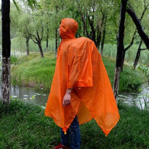 7-hiking-raincoat-2