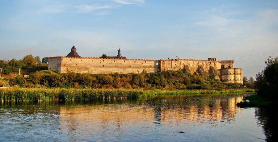medzhibozh-zamok-panorama